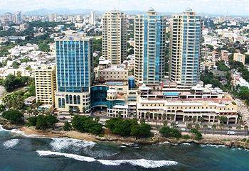Malecon center in Santo Domingo Girls