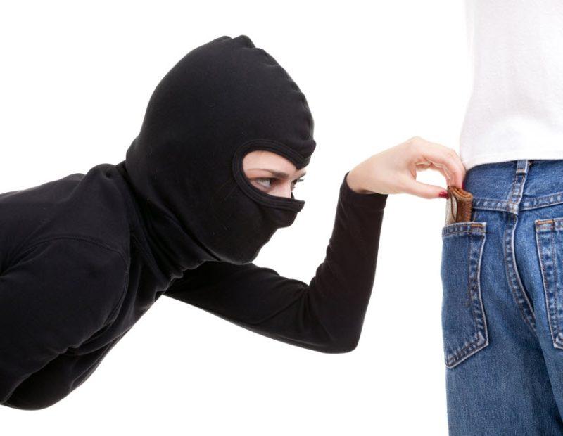 safe travel pickpocket