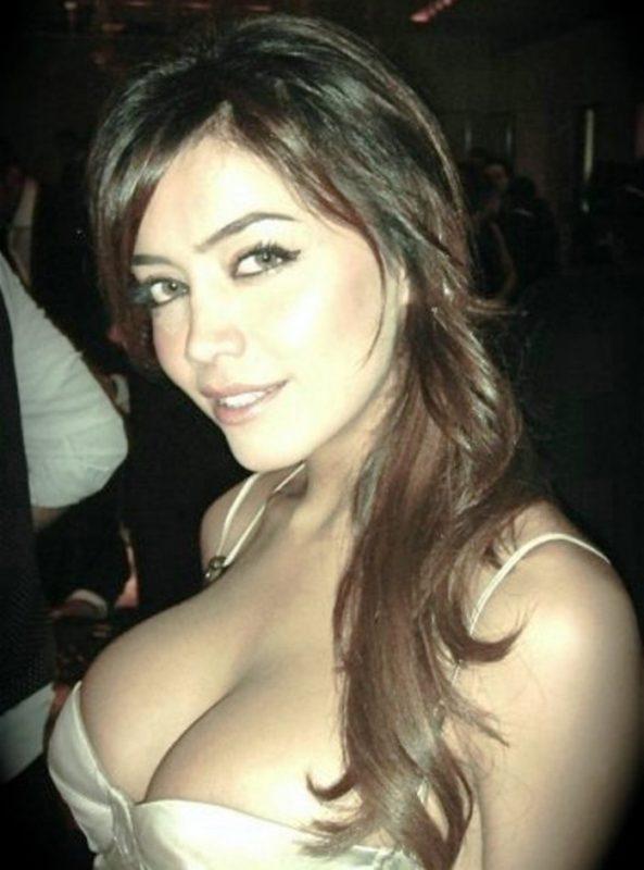 busty arab women